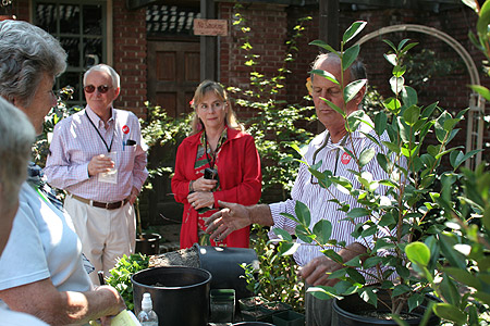 Tom Nuccio and others, Filoli Garden, California, September 8, 2007